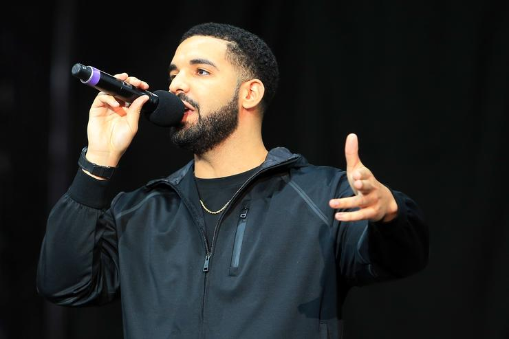 Singer Drake speaks to the crowd prior to the Floyd Mayweather Jr. v Conor Mc Gregor World Press Tour at Budweiser Stage