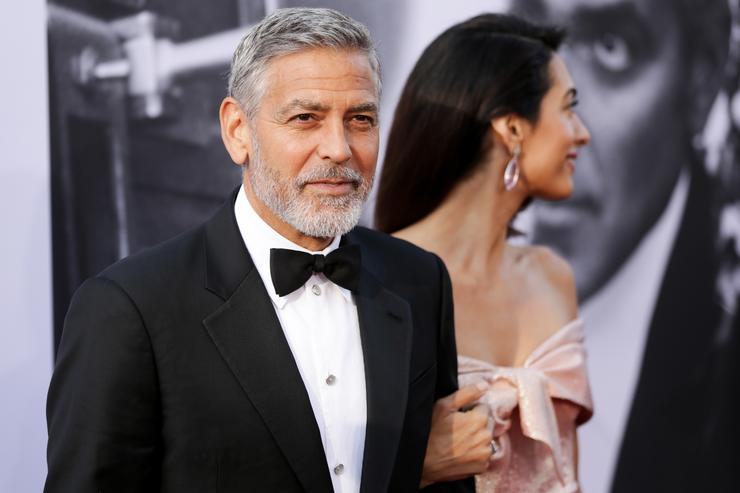 Here's Proof That Clooney Only Gets Better With Age - Page 6 1531323834_1acc9669670920489eb7440611f56b04