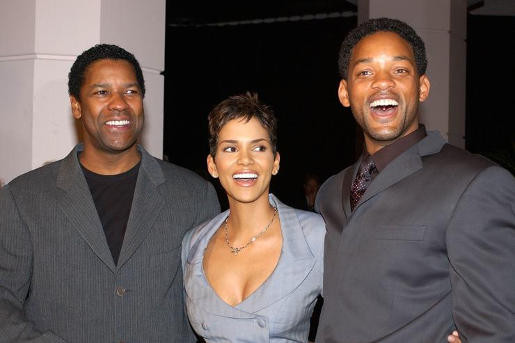 Will Smith U0026 Halle Berry Share Hilarious Photos Of Their Faces Molded  Together