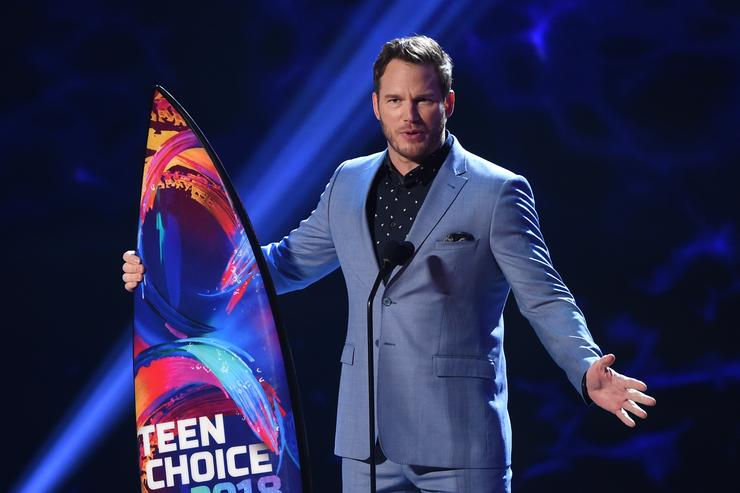Chris Pratt accepts the Choice Summer Movie Actor award onstage during FOX's Teen Choice Awards at The Forum on August 12, 2018 in Inglewood, California.