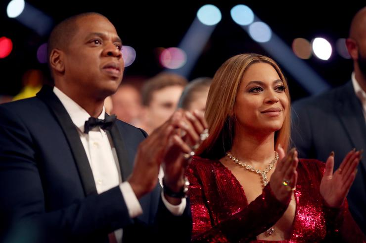 Fan bolts toward Jay-Z and Beyoncé at their Atlanta show