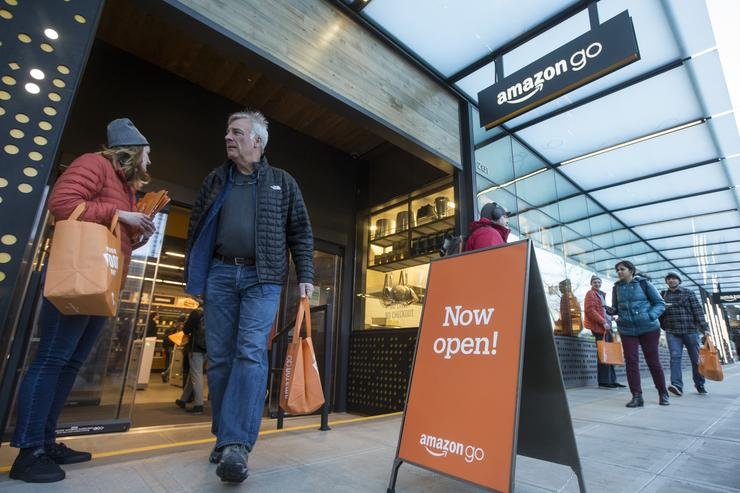Amazon Go store without cashiers opens in Chicago