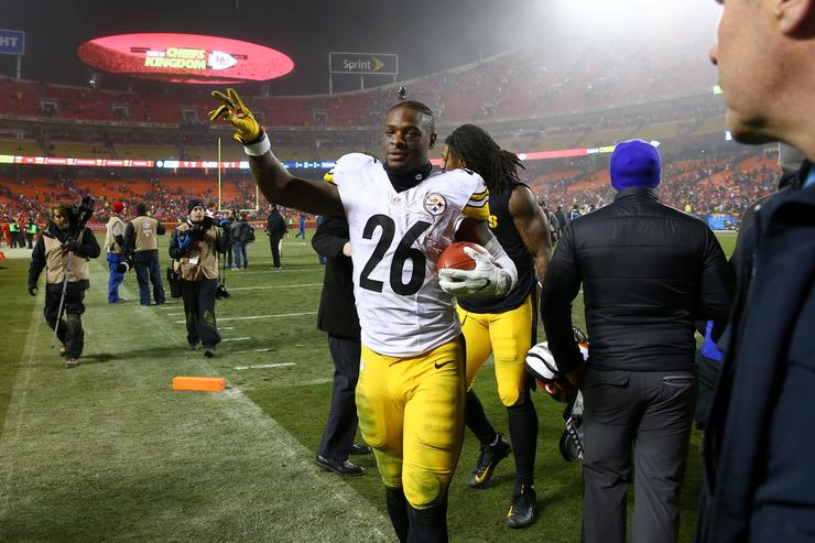 Steelers listening to offers for Bell