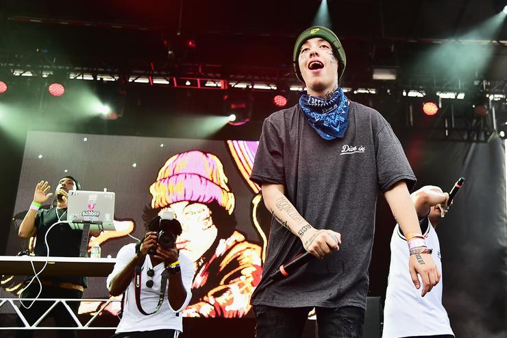 Lil Xan performs onstage during Day 1 of Billboard Hot 100 Festival 2018 at Northwell Health at Jones Beach Theater on August 18, 2018 in Wantagh, New York
