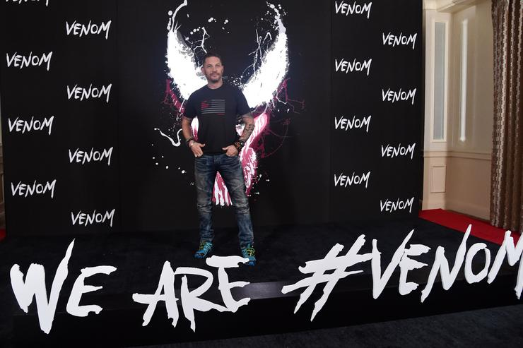 Tom Hardy attends a photo call for Columbia Pictures' 'Venom' at the Four Seasons Hotel Los Angeles at Beverly Hills on September 27, 2018 in Los Angeles, California.