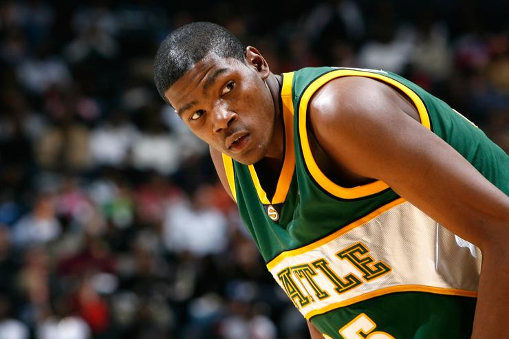 Kevin Durant Pays Tribute To Shawn Kemp In NBA Preseason Return To Seattle 6579be0bd