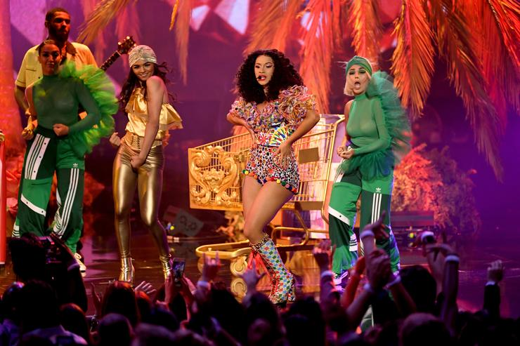 Cardi B performs onstage during the 2018 American Music Awards at Microsoft Theater on October 9, 2018 in Los Angeles, California