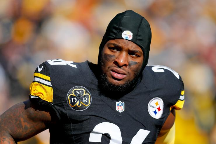 Le'Veon Bell maintaining silence with the Steelers