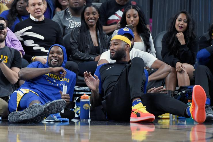 DeMarcus Cousins ejected from Warriors-Knicks while in street clothes