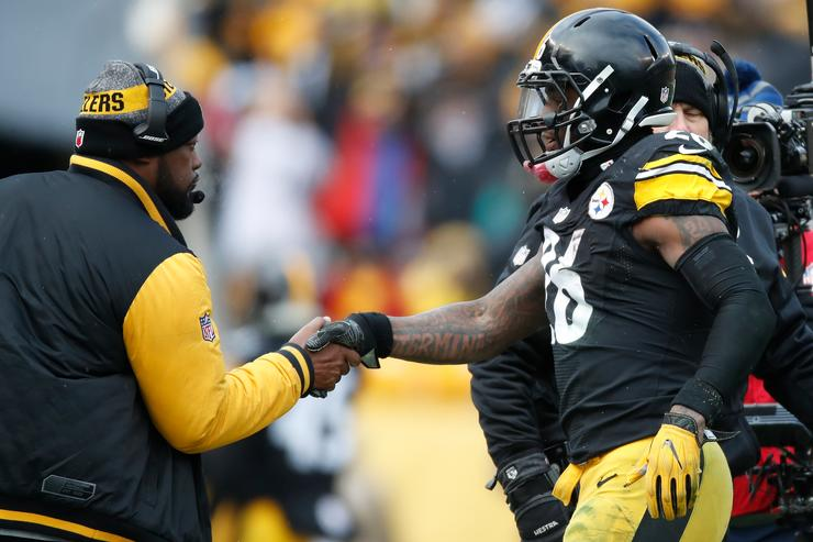 Le'Veon Bell hasn't talked to Steelers, unlikely to report this week