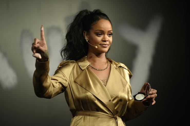 Rihanna slams Trump for using her music at rallies