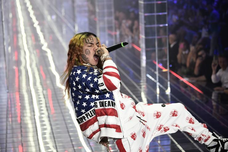 Tekashi 69, performs during the Philipp Plein fashion showw as part of the Women's Spring/Summer 2019 fashion week in Milan, on September 21, 2018