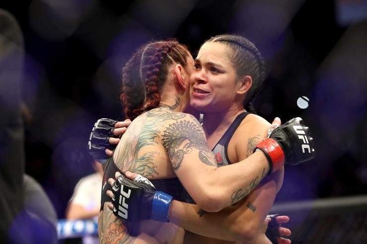 UFC fighters react to Amanda Nunes' stunning KO win over Cyborg