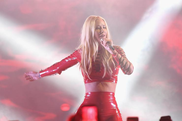 Iggy Azalea performs on stage during Univision's 'Premios Juventud' 2017 Celebrates The Hottest Musical Artists And Young Latinos Change-Makers at Watsco Center on July 6, 2017 in Coral Gables, Florida