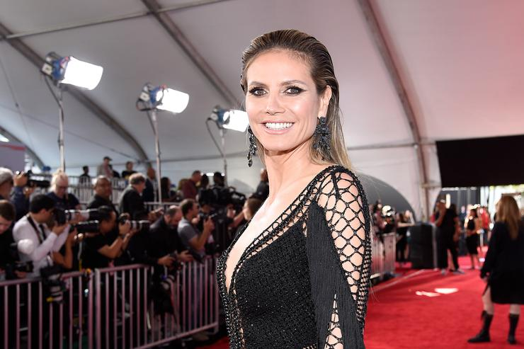 Heidi Klum attends the 2018 American Music Awards at Microsoft Theater on October 9, 2018 in Los Angeles, California.