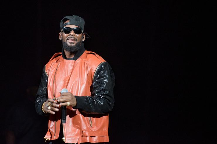 Black Twitter Lets R. Kelly Have It After 'Surviving R. Kelly'