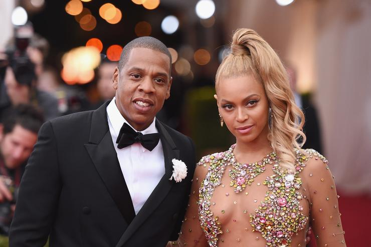 Jay Z (L) and Beyonce attend the 'China: Through The Looking Glass' Costume Institute Benefit Gala at the Metropolitan Museum of Art on May 4, 2015 in New York City.