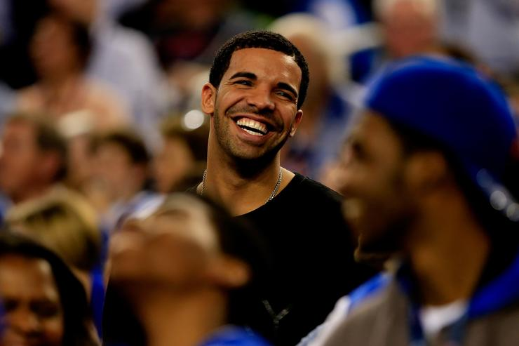 Rap Star Drake Caught On Tape Kissing And Fondling Underage Teen Fan