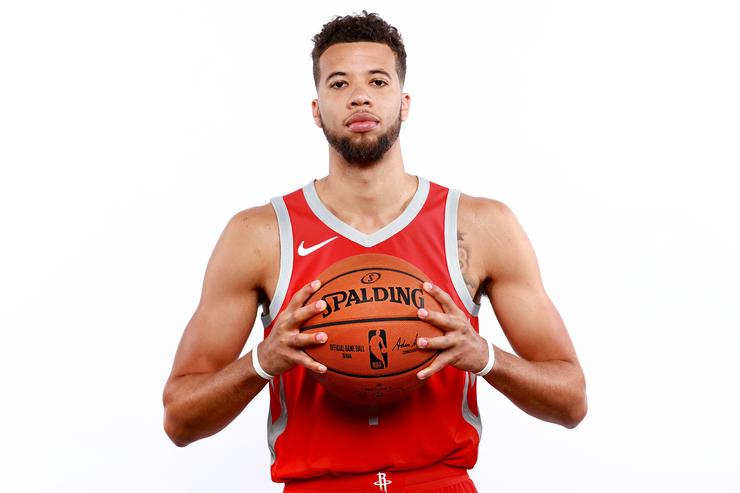 Bulls trade for Carter-Williams