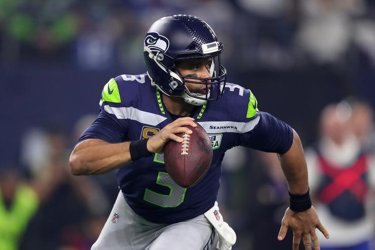 Russell Wilson will attend spring training with the Yankees