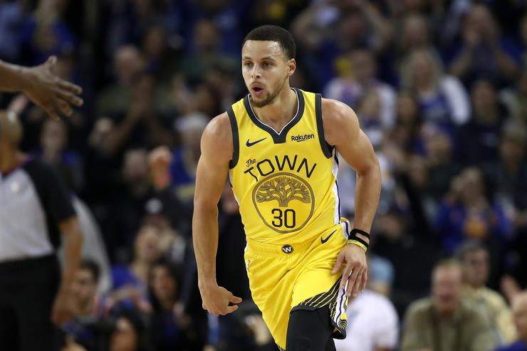Curry moves to third on all-time 3-point list
