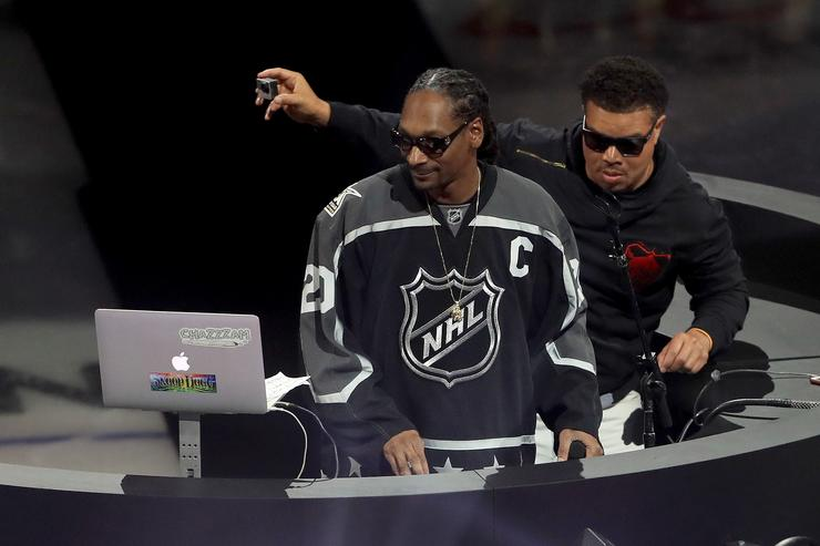 Rapper Snoop Dogg performs prior to the 2017 Coors Light NHL All-Star Skills Competition as part of the 2017 NHL All-Star Weekend at STAPLES Center on January 28, 2017 in Los Angeles, California.