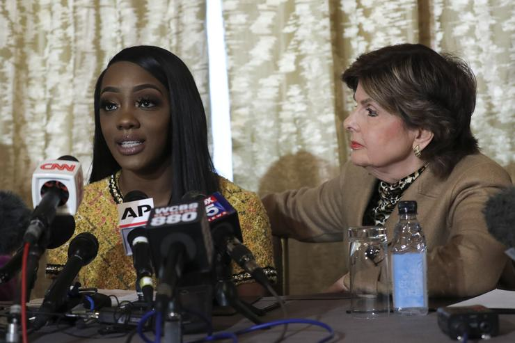 Kelly As Gloria Allred Represents Accusers
