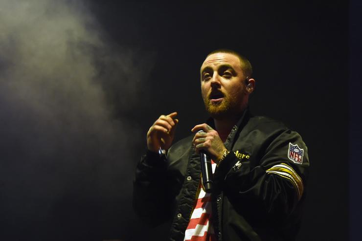 Mac Miller performs on Camp Stage during day 1 of Camp Flog Gnaw Carnival 2017 at Exposition Park on October 28, 2017 in Los Angeles, California.