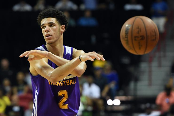 Lonzo Ball #2 of the Los Angeles Lakers throws a no-look pass against the Dallas Mavericks during a semifinal game of the 2017 Summer League at the Thomas & Mack Center on July 16, 2017 in Las Vegas, Nevada.