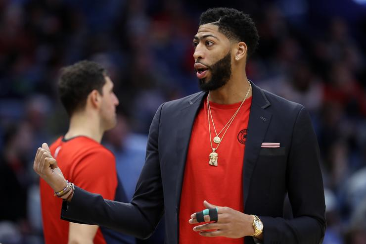 Lakers drop out of Anthony Davis sweepstakes after 'outrageous' request