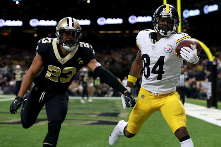 Steelers Star Antonio Brown Requests Trade