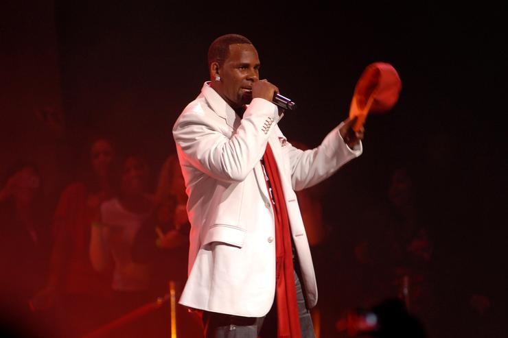 New Sextape With R. Kelly Allegedly Urinating On Underage Girl Emerges