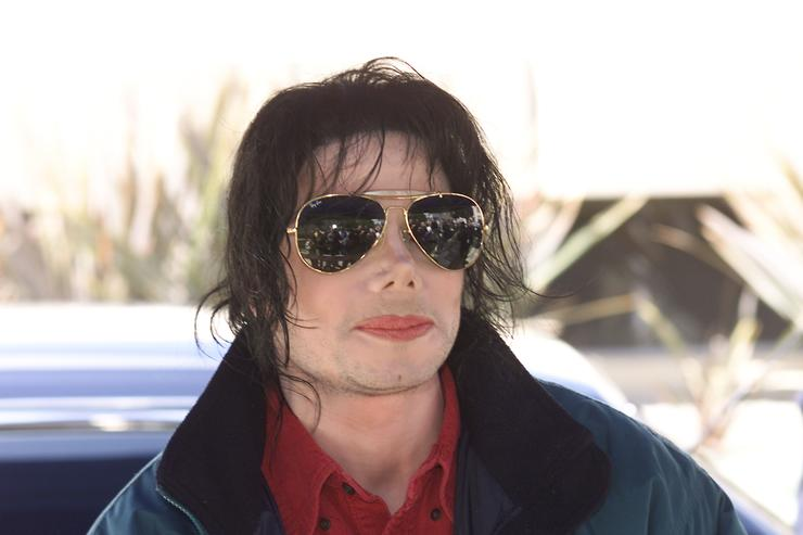 Michael Jackson arrives at the Pasadena Civic Auditorium in Pasadena, Ca. to tape his performance for Dick Clark's 'American Bandstand's 50th...A Celebration', Saturday, April 20, 2002
