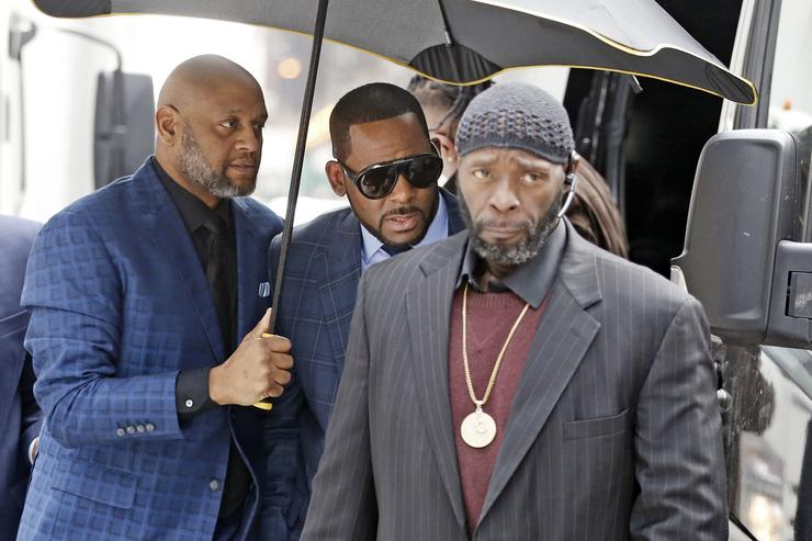 Singer R. Kelly arrives at the Daley Center for his hearing on March 6, 2019 in Chicago, Illinois. Kelly was in court after failing to pay more than $160,000 in child support.