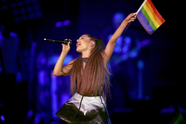 Ariana Grande: 'I Like Women & Men'