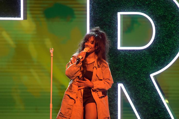 SZA performs onstage during Black Girls Rock! 2017 at NJPAC on August 5, 2017 in Newark, New Jersey.