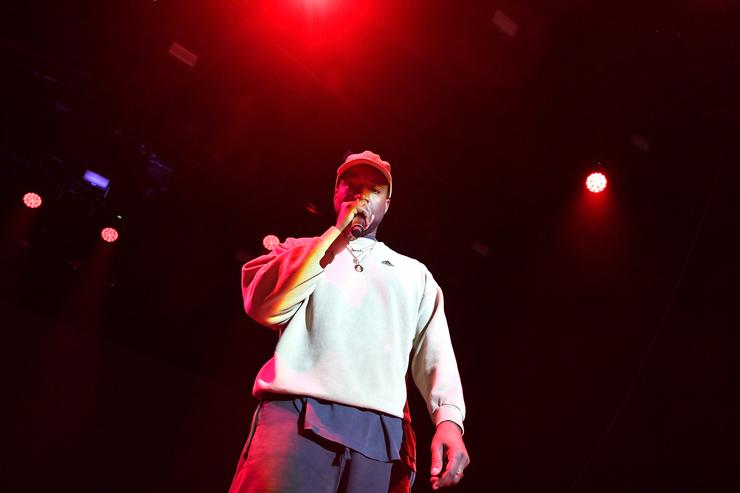 Kanye West returns to Twitter, mentions Lamar Odom