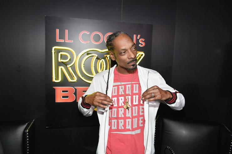 Snoop Dogg attends LL COOL J Celebrates the Launch of His Exclusive SiriusXM Channel 'Rock The Bells Radio' at World on Wheels in Los Angeles on March 28