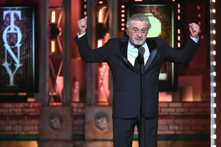 Robert De Niro yells 'F--k Trump' at Tony Awards