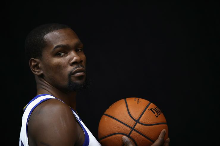 Kevin Durant #35 of the Golden State Warriors poses for a picture during the Golden State Warriors media day on September 24, 2018 in Oakland, California